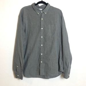 Old Navy slim fit button down shirt